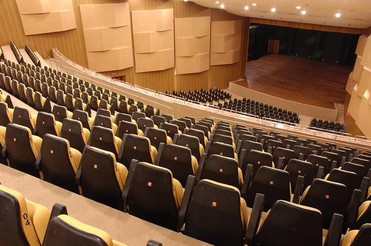 Por trás dos palcos vazios | Gazeta de Alagoas